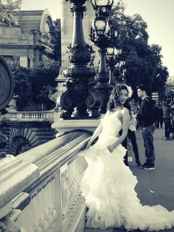 A bride on the streets of Paris