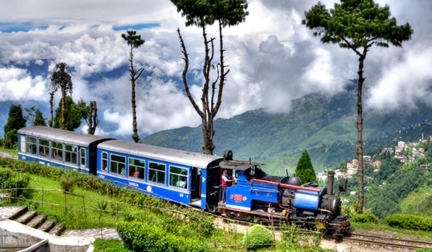 Darjeeling Himalayan trein in india