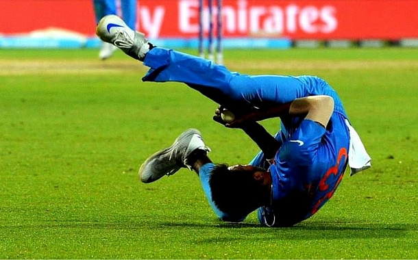 Hardik Pandya's super catch at the ICC T20 WC 2016