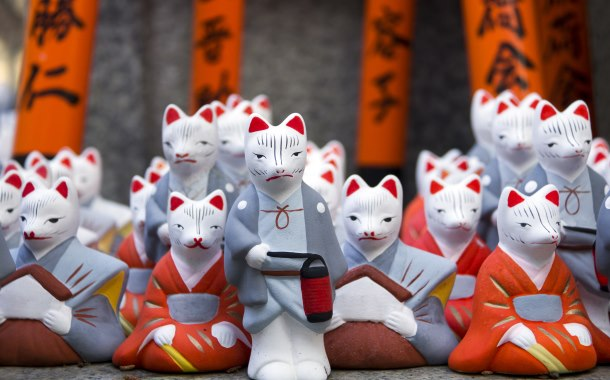 Little fox statues, Japan