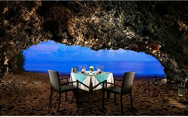 Secret Cave Dining, Samabe