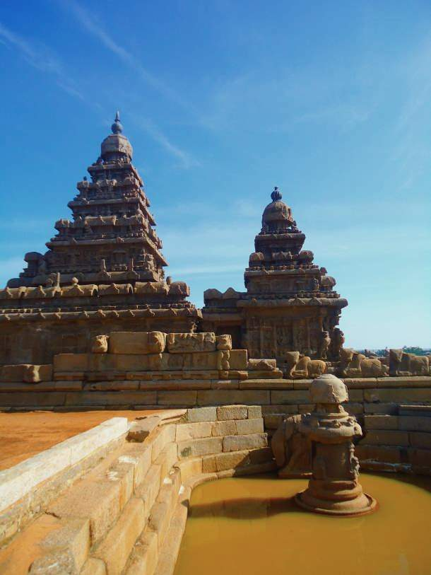 Well type enclosure, Shore Temple